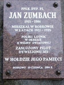 Tablica pamiątkowa w Bobrowie